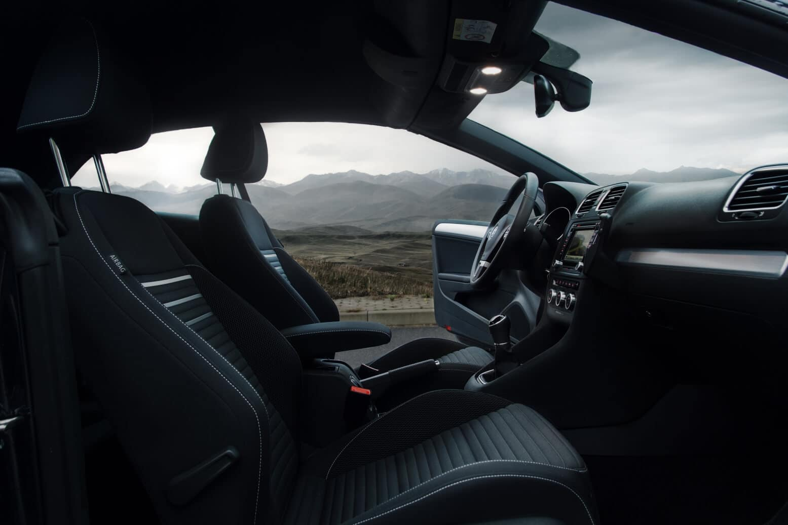 Volkswagen Golf VI Convertible Interior