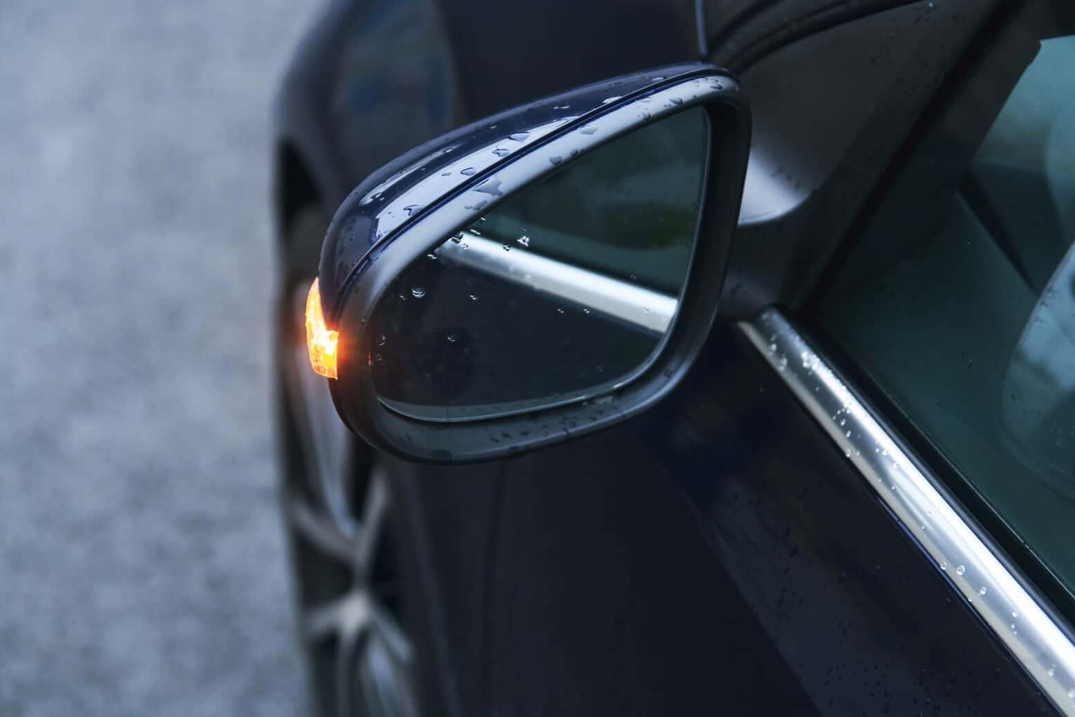 Volkswagen Golf VII Convertible Details Spiegel