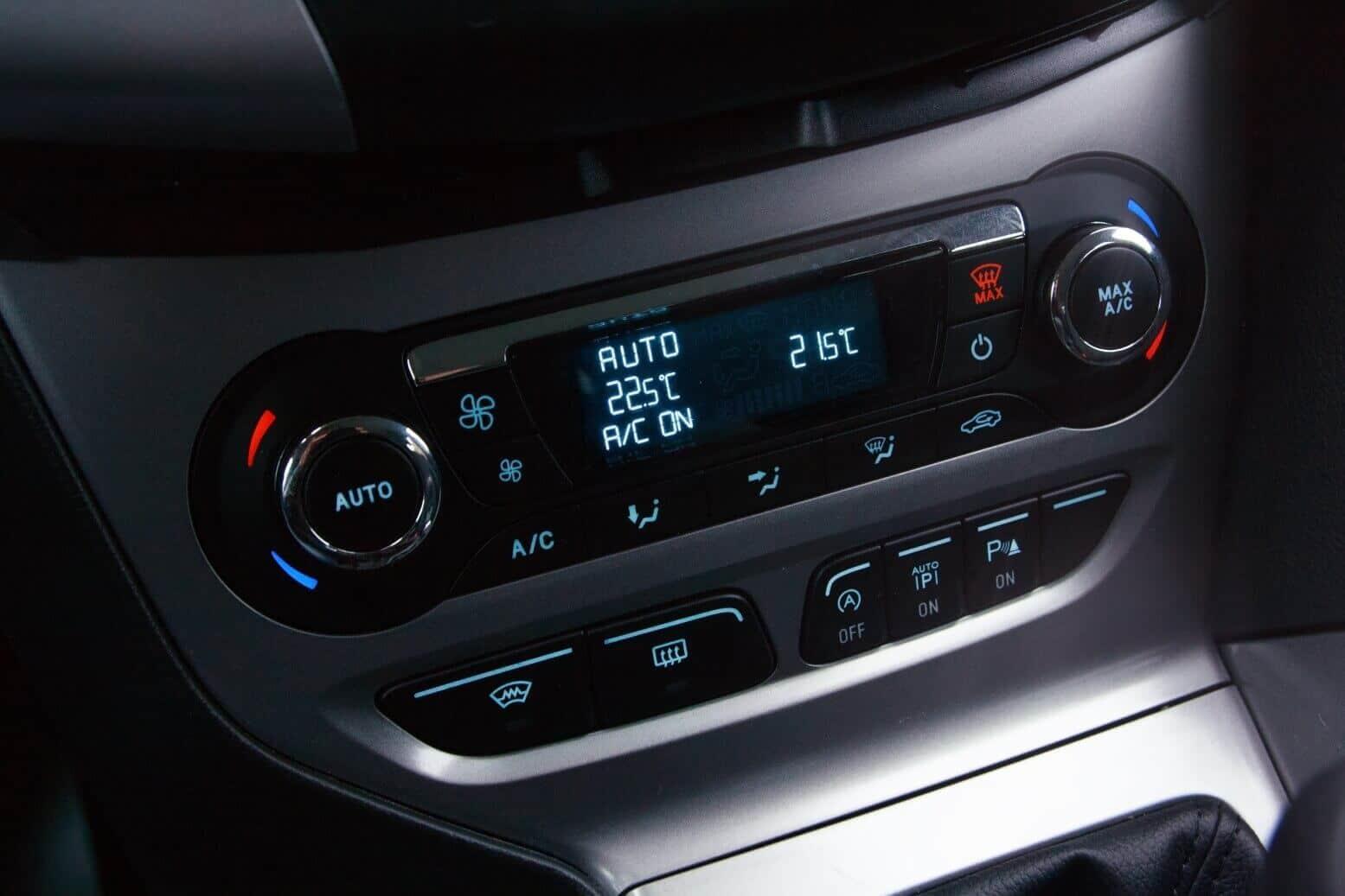 Ford Focus Interior. Details der Mittelkonsole
